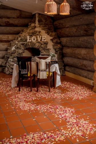 Finland Wedding Igloo Hotel by Your Adventure Wedding-34