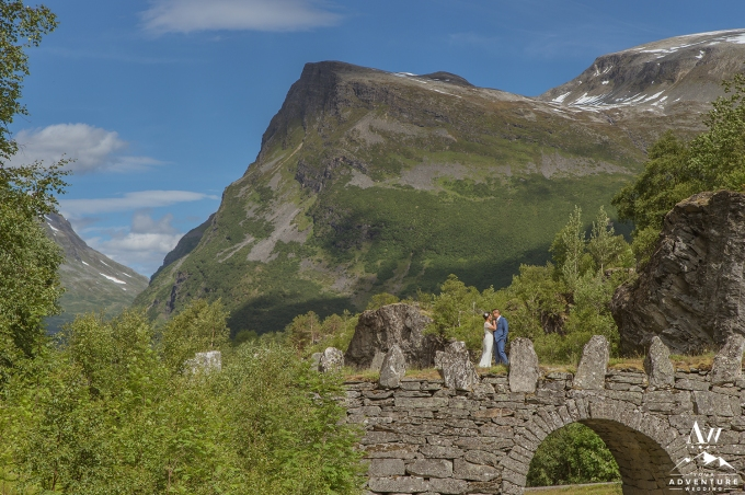 geirangerfjord-wedding-photographer-and-planner-your-adventure-wedding