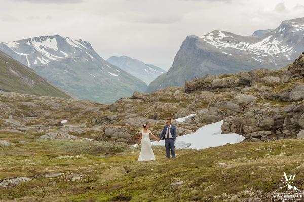 norway-mountain-wedding-geirangerfjord