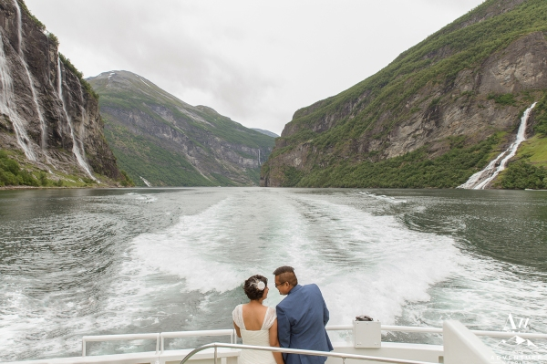 seven-sisters-waterfall-wedding-geirangerfjord-norway-your-adventure-wedding