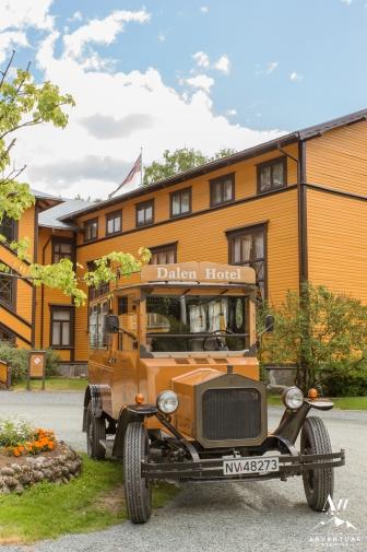 dalen-fairytale-hotel-wedding-your-adventure-wedding