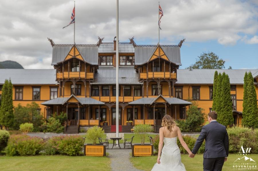 dalen-hotel-norway-elopement-your-adventure-wedding