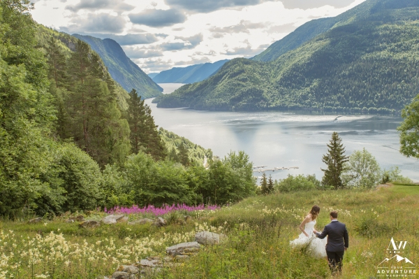 norway-elopement-photographer-dalen-norway-wedding
