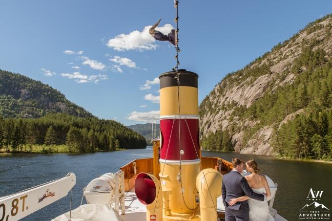 norway-riverboat-wedding-photos-your-adventure-wedding