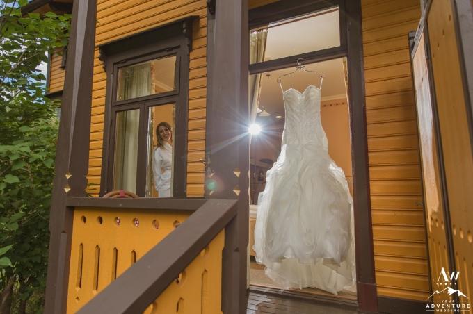 norway-wedding-dress-your-adventure-wedding