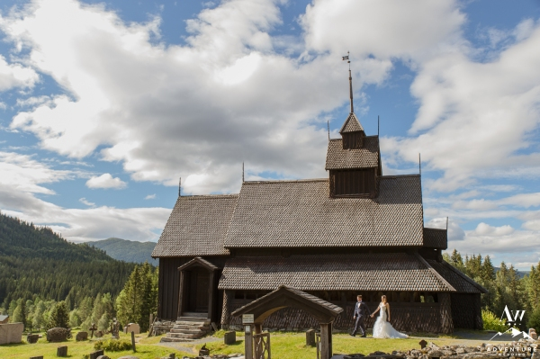 norway-wedding-in-stave-church-your-adventure-wedding