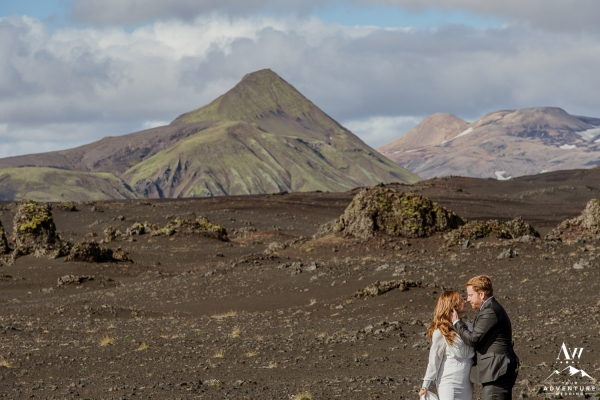 adventure-wedding-photos-in-iceland-34