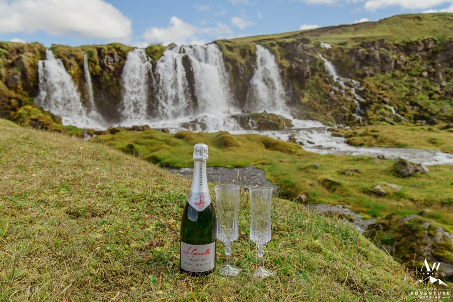 adventure-wedding-photos-in-iceland-42