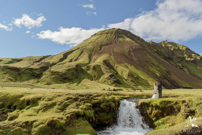 adventure-wedding-photos-in-iceland-44