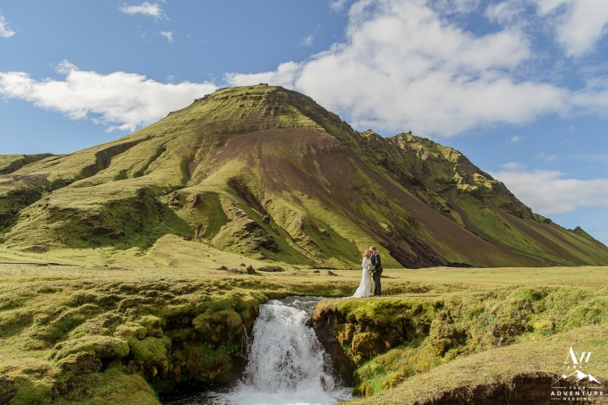 adventure-wedding-photos-in-iceland-45
