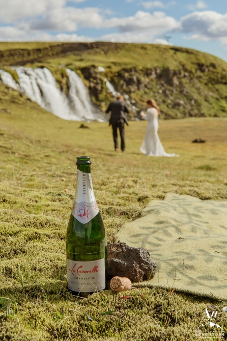 adventure-wedding-photos-in-iceland-56