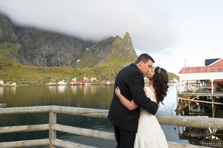 lofoten-islands-norway-elopement-photographer-your-adventure-wedding-22