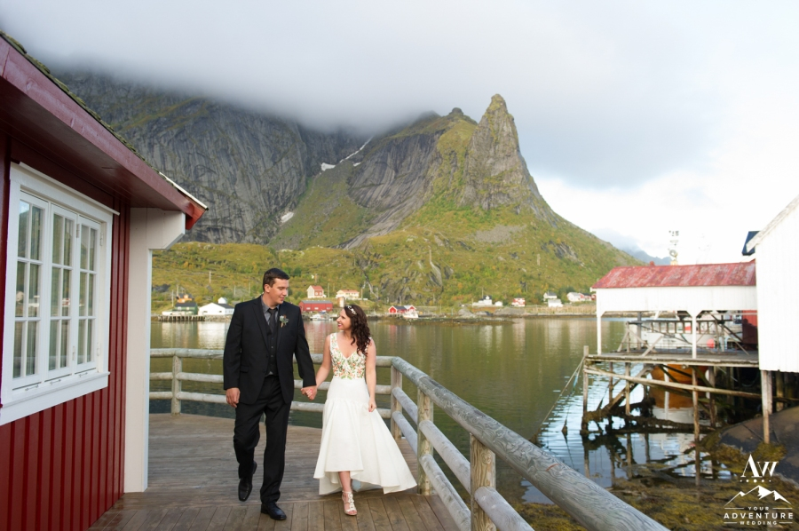 lofoten-islands-norway-elopement-photographer-your-adventure-wedding-23