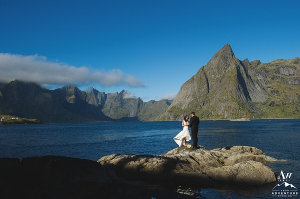 lofoten-islands-norway-elopement-photographer-your-adventure-wedding-27