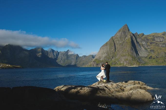 lofoten-islands-norway-elopement-photographer-your-adventure-wedding-27