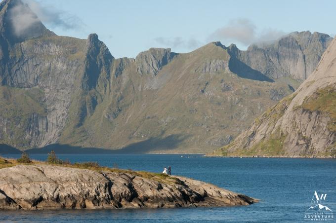 lofoten-islands-norway-elopement-photographer-your-adventure-wedding-34