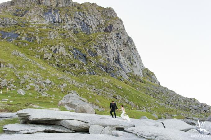 lofoten-islands-norway-elopement-photographer-your-adventure-wedding-41