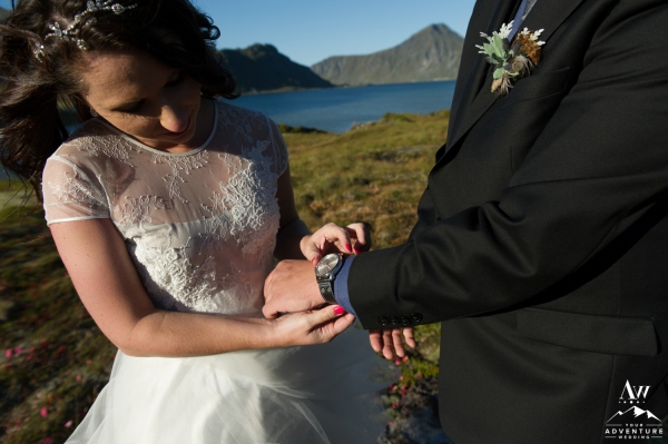 lofoten-islands-norway-elopement-photographer-your-adventure-wedding-56