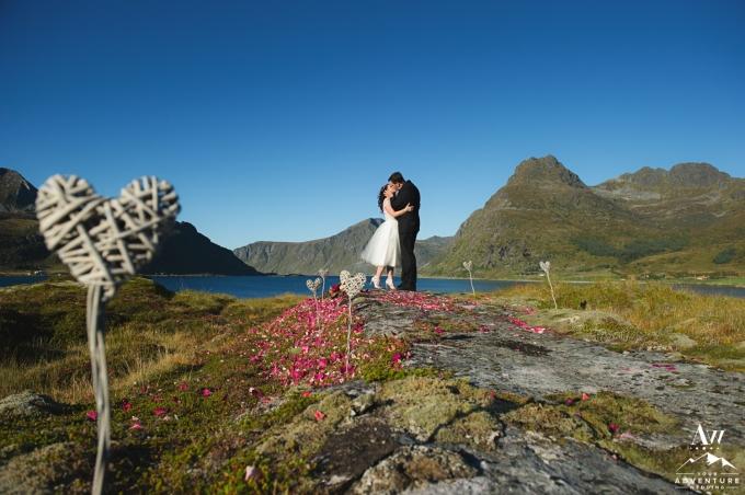 lofoten-islands-norway-elopement-photographer-your-adventure-wedding-59
